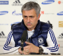 José Mourinho responds to Rafa Benítez's wife's comment with scathing personal attack.