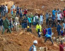 Sierra Leone: Desperate dig for mudslide survivors