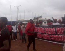 A/R: Police block miners from staging 'ye bre' demo