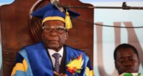 Mugabe makes first public appearance after military takeover